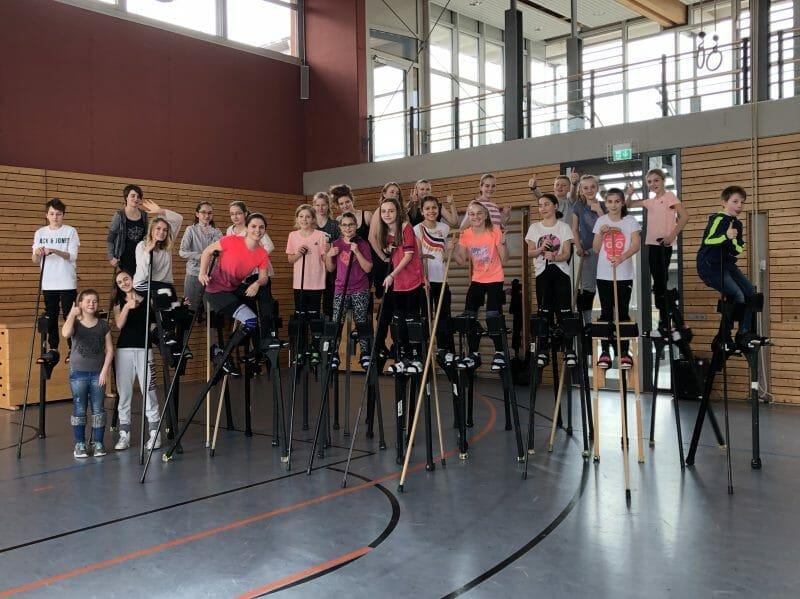 Workshop Stelzen und Theater